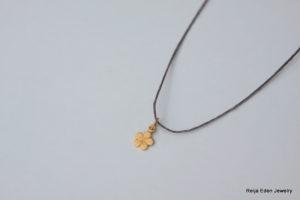 linen clover leaf necklace