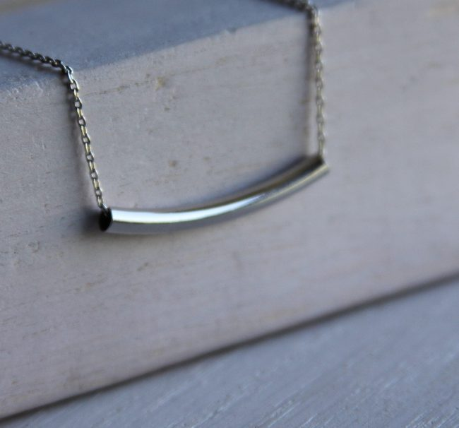 silve bar necklace