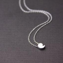 comman necklace