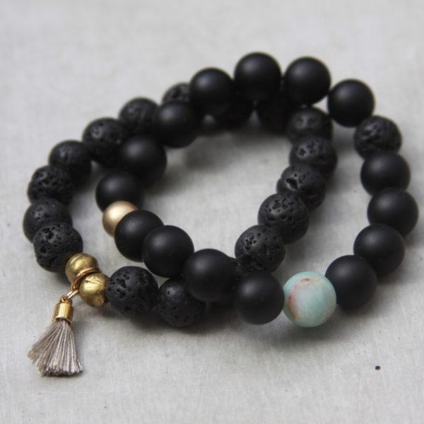 black beaded bracelet set