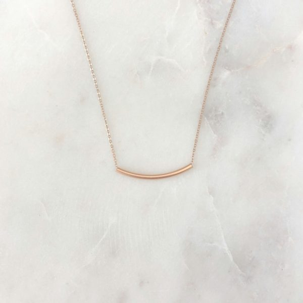 delicate rose gold necklace